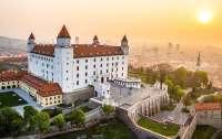 Премьер Словакии хочет полностью закрыть страну из-за коронавируса