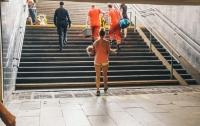 В киевском метро ребенку зажало ногу эскалатором