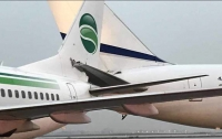 На взлетной полосе в Тель-Авиве зацепились два самолета (видео)