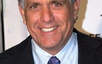 Директор CBS ушел в отставку из-за обвинений в сексуальных домогательствах