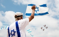 Постоявший вниз головой посол Израиля рассмешил президента