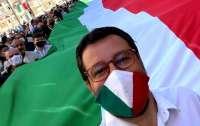 Итальянские оппозиционеры нарушили правила ради протестов