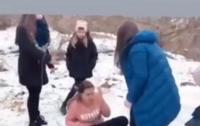 Жестокое избиение школьницы  ее обидчики выложили в интернет
