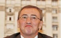 С приветом от «Космоса»: Черновецкий ходит на работу, изучает законы и не хочет говорить об Азарове