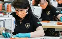 Lamborghini запускает выпуск медицинских масок