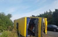На Днепропетровщине столкнулись фура и маршрутка, 13 человек пострадали