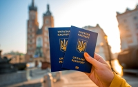 Безвизом воспользовались уже более 100 тысяч украинцев