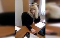 Херсонский волонтер устроил скандал из-за русского языка (Видео)
