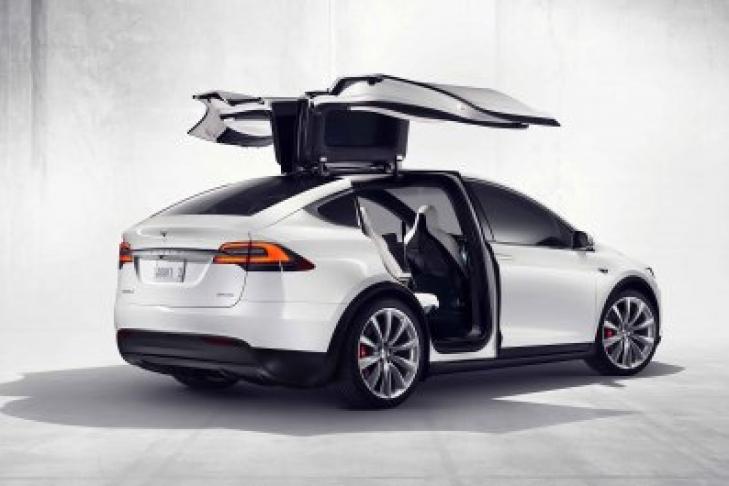 ВСША показали аварийные тестирования Tesla Model X