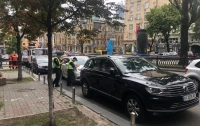В случае неправильной парковки в столице, водитель может не обнаружить свое авто