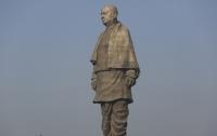 Самую высокую в мире статую установили в Индии
