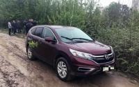 В Киеве мужчина угнал авто с полицейским в салоне