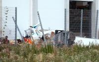 В Германии самолет разбился возле гипермаркета, есть жертвы