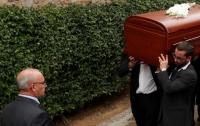 Канадская семья вместо умершего родственника случайно похоронили известного пианиста