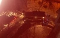 По неизвестным причинам, на Оболони за ночь взорвалось несколько авто