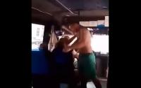 Под Одессой в маршрутке избили женщину
