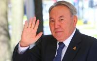 Бессменный президент Казахстана ушел в отставку