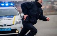 Отобрали 7 млн грн и $250 тысяч: под Киевом произошло разбойное нападение со стрельбой