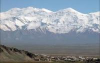 Спасатели ищут тело альпиниста, погибшего на Памире
