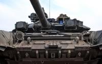 Война на Донбассе: противник ведет обстрелы из танков