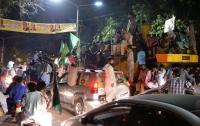 На митинге в Пакистане неизвестный расстрелял людей