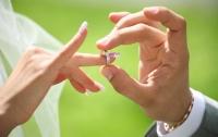 Мужчина согласился жениться в обмен на 500 лайков в Facebook
