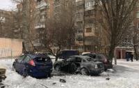 Взорвались три автомобиля: в центре Донецка прогремел взрыв