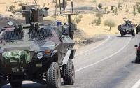 В Турции взорвался автомобиль с военными