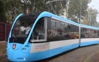 Неизвестные в Виннице обстреляли трамвай с пассажирами