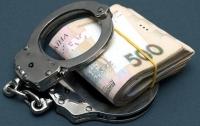 За получение неправомерной выгоды задержали чиновника ГУ Гоструда и адвоката