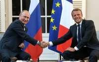Макрон собрался к Путину в гости в мае