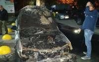 Журналистам-расследователям сожгли автомобиль, министр отреагировал
