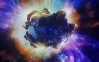 Мощный взрыв астероида в ночном небе сняли на видео