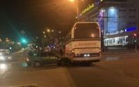 В центре Запорожья попал в ДТП автобус с иностранцами