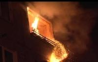 Масштабный пожар во Львове: спасены более 30 человек (видео)