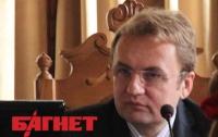 Львовские депутаты советуют мэру одеть костюм Спайдермена