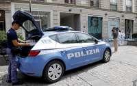 Мошенники оставляют поддельные штрафы на лобовых стеклах автомобилей