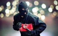 В Киеве у женщины украли 2 миллиона