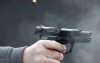 Полиция разыскивает стрелка со слабым мочевым пузырем (видео)
