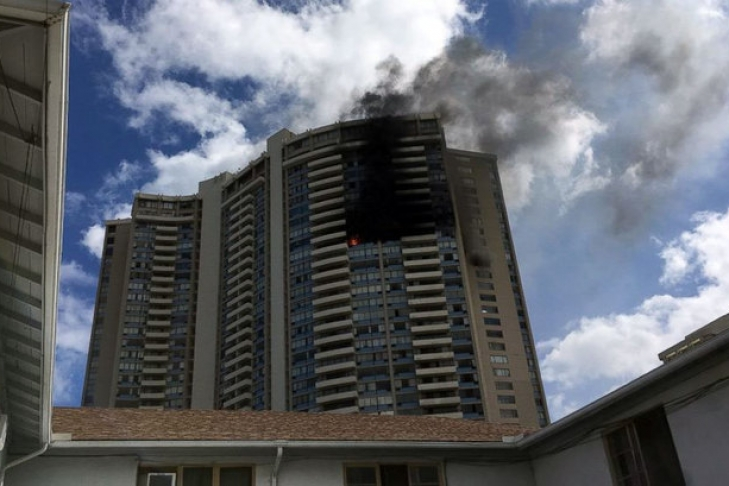 НаГавайях загорелась жилая многоэтажка, необошлось без жертв