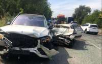 ДТП под Днепром: Mercedes превысил скорость и