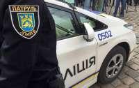 Закопался в снегу от полиции: во Львове задержали воров автозапчастей
