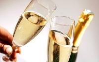 Из-за шампанского 15-летняя девушка впала в алкогольную кому
