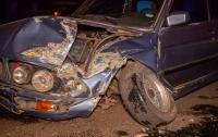 ДТП в Днепре: столкнулись BMW и маршрутка (видео)