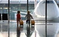 Рада предложила упростить выезд ребенка за границу