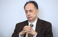 Скандал с законом об образовании: посол ЕС дал совет Киеву