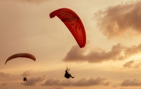 97-летний ветеран из США прыгнул с парашютом в годовщину высадки в Нормандии
