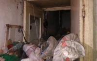 Из квартиры пенсионерки вывезли десять самосвалов мусора (видео)