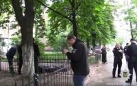 В Киеве на улице жестоко зарезали мужчину (видео)