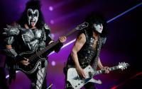 Группа Kiss устроит подводный концерт для акул